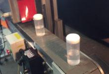 Tấm phủ băng vệ sinh mới tự động áp dụng băng co giãn cho chai không đeo vai